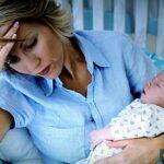 Послеродовая депрессия — симптомы, лечение, определение, причины, последствия